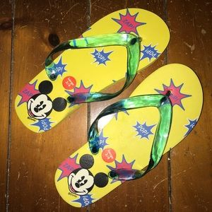 Mickey Mouse flip flops yellow size 3/4